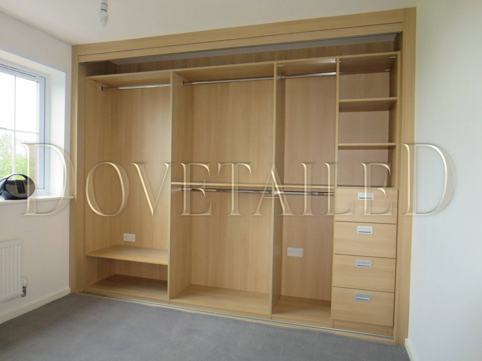 Fitted Wardrobes with Sliding Doors | Dovetailedinteriors ...