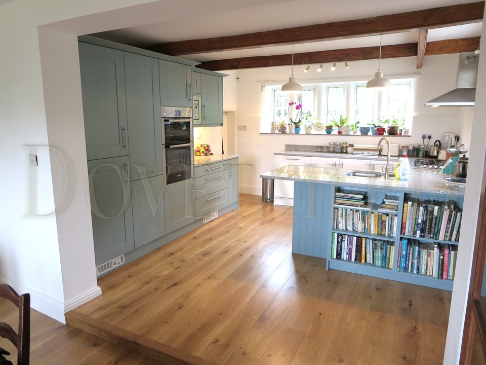Painted Second Nature Broadoak Kitchen